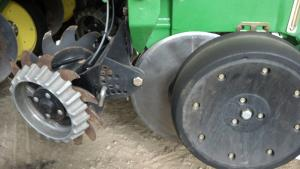 Yetter--row-cleaner-w--Cl-Sweep